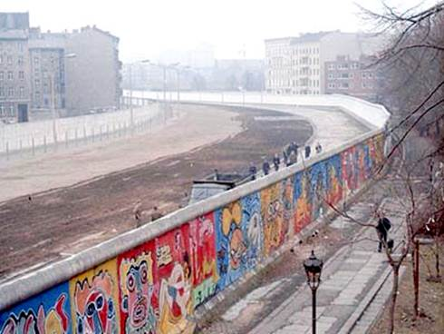 It is obvious which side was East and West Berlin looking at the Wall.