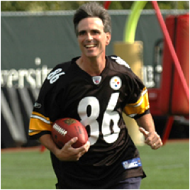 Pausch practicing as a wide receiver
