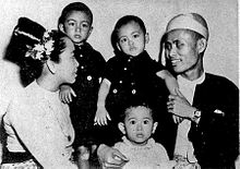 Suu Kyi with her family prior to her father's killing