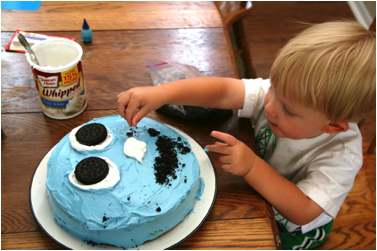 Description: http://wolverton-mountain.com/articles/images/owens-surprise-birthday-cake-for-jack/5.png