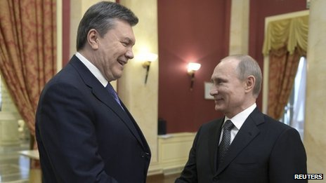 Yanukovych talking to Putin