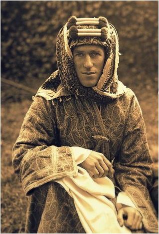 Description: https://jrbenjamin.files.wordpress.com/2014/09/t-e-lawrence.jpg